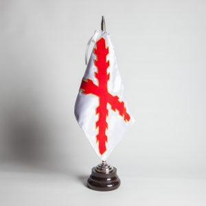 bandera-aspas-de-borgoña
